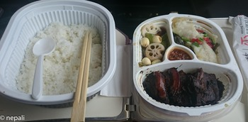 DSC_0017車内の食事.jpg