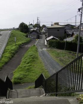 DSC_5059階段を下りる.jpg