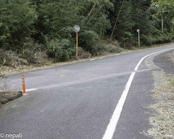 DSC_5237左から道が合流.jpg